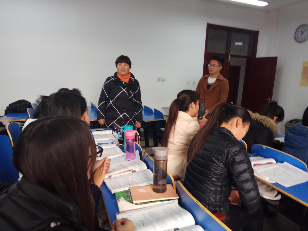 团委副书记兼13级辅导员鲍秋旭老师,14级辅导员成一林老师,14级兼职图片